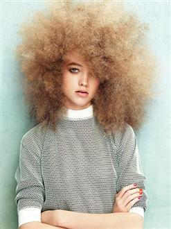 Basta con i capelli crespi!